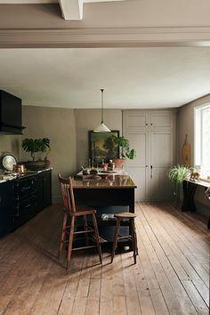 Barn Kitchen, Open Plan Kitchen, New Kitchen, Kitchen Decor, Earthy Kitchen, Devol Kitchens, Shaker Style Kitchens, Home Kitchens, Devol Shaker Kitchen