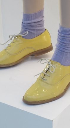 Love these brogues and the colour clashing statement!