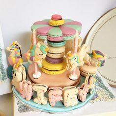 Mini carousel - unicorn theme #love #unicornmacaron #love #instafood #instagood #instacute #macaron #macaroon #macarons #macaroons #macaronlucu #cutemacaron #customizedmacarons Macaron Cookies, Sugar Cookies, Cute Food, Yummy Food, Unicorn Macarons, Unicorn Foods, French Macaroons, Sweet Cakes, Cakes And More