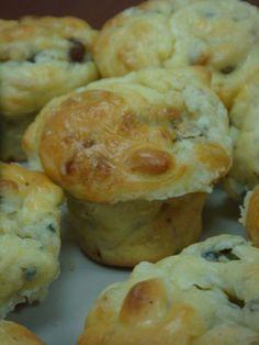 Muffins roquefort noix pignons raisins