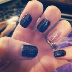 Black glitter and pink glitter nails