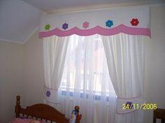 cortina infantil : cortina de falla blanca  cenefa acolchada con flores bordadas  cortina de gasa blanca | soledadcortinas