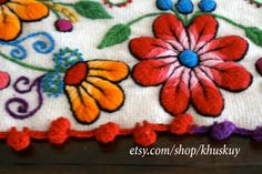 Table Bed runner embroidered Peru Off White Alpaca wool by khuskuy