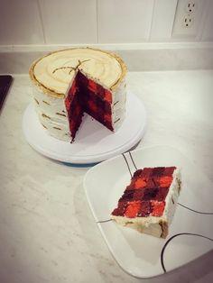 My version off plaid birch lumberjack log cake! Moose Cake, Lumberjack Cake, Vegan Wedding Cake, Delicious Desserts, Yummy Food, Dad Cake, Baking Tips, Baking Hacks, Butterfly Cakes