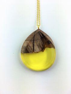Holz und Harz Halskette - Gelbe Tropfen Harz Anhänger Halskette von FedergoldDesign auf Etsy