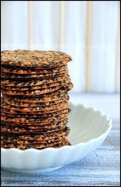 Sesame Cookie Crisps and Sesame Tuile: One of my favorite afternoon snacks Cookie Desserts, Healthy Desserts, Just Desserts, Cookie Recipes, Dessert Recipes, Cookie Jars, Tuile Biscuits, Savoury Biscuits, Biscuit Cookies