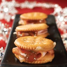 "I would nix the strawberry jam! (But I might use Raspberry Chipotle Sauce.) Get your soiree started with RITZ Crackers Ham and Swiss Spicy ""Jamwiches. Finger Food Appetizers, Yummy Appetizers, Appetizers For Party, Appetizer Recipes, Snack Recipes, Finger Foods, Appetizer Dessert, Galletas Ritz, Ritz Cracker Recipes"