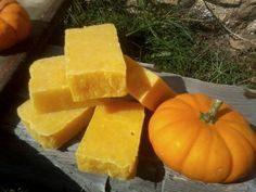 Hot Process - Using Pumpkin Puree in Soap (Reciipe here: http://candleandsoap.about.com/od/soaprecipes/ss/pumpkinsoap.htm)