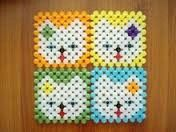 Cute Mavic, Tissue Boxes, Bead Patterns, Beaded Flowers, Kids And Parenting, Diy And Crafts, Coasters, Beading, Jewelry Making