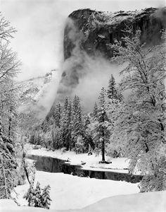 Deze foto is gemaakt door Ansel Adams en hij heet El Capitan, winter