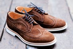 Every man should have at least one or two pairs of really good quality brown shoes and this pick could not be a mistake for anyone also knowing that suede its rocking this spring/summer season its a must for our trend followers.
