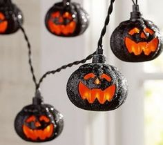 Discover kid friendly Halloween decorations at Pottery Barn Kids. Find festive Halloween decor that is perfect for the home, yard, or even a Halloween party. Costume Halloween, Happy Halloween, Halloween Horror Nights, Halloween 2013, Halloween Trees, Creepy Halloween, Holidays Halloween, Vintage Halloween, Halloween Stuff