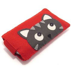 Nintendo DS Case / Sony PSP Protector / Camera Case by minifelts, Cat Crafts, Animal Crafts, Crafts To Do, Felt Phone Cases, Felt Case, Nintendo Ds Case, Felt Gifts, Camera Case, Sewing Toys
