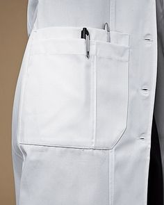 66 ideas medical doctor outfit fashion lab coats for 2019 Doctor White Coat, Doctor Coat, Healthcare Uniforms, Medical Uniforms, Nursing Uniforms, Lab Coats For Men, Scrubs Outfit, Medical Scrubs, Nursing Dress