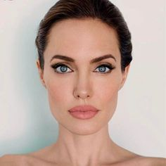 Lessons I learned from Angelina Jolie. Beauty & Personal Care - Makeup : Eyes - Eyeshadow - Makeup - http://amzn.to/2jRlRZU