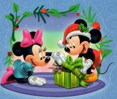 Christmas Mickey and Minnie Disney Micky Maus, Mickey Mouse Cartoon, Mickey Mouse And Friends, Minnie Mouse Pictures, Disney Pictures, Cute Disney, Walt Disney, Image Mickey, Minnie Mouse Christmas