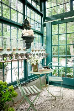 Hydrangea Hill Cottage:  Chic Potting Shed.. This would be a beautiful space for a quaint lunch in...
