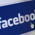 FACEBOOK leakes private messages on timeline
