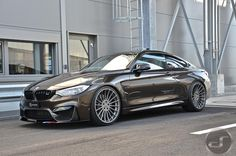 BMW M4 in Pyritbraun Metallic: M Performance trifft Individual