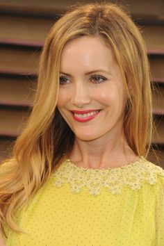 Radical Skincare's Instant Revitalizing Mask and Dior's Skinflash Radiance Booster in 001 Rosy Glow Beauty Tips, Beauty Hacks, Radical Skincare, Leslie Mann, Fantasy Women, Her Smile, Bffs, Hair Colors, Glowing Skin