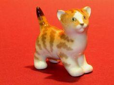 Porcelain figurine 4006 Lomonosov LFZ  Cat