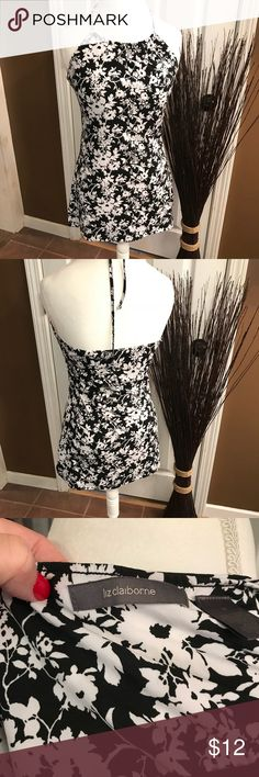 Liz Claiborne summer top Great summer top to pair with shorts or dress it up with a skirt and heels. Liz Claiborne Tops