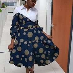 Latest Aso Ebi Styles For The Weekend African Fashion Ankara, African Inspired Fashion, Latest African Fashion Dresses, African Print Fashion, Africa Fashion, African Wear, African Attire, Ghanaian Fashion, African Women