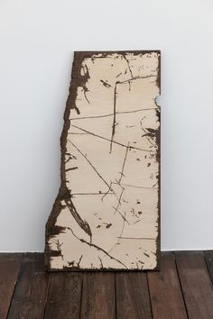 Susan Collis State Border 2010 Sonokelling, rosewood, Bog oak, white holly, walnut 91 x 49 x 2,5 cm