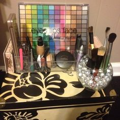 My organized make up !