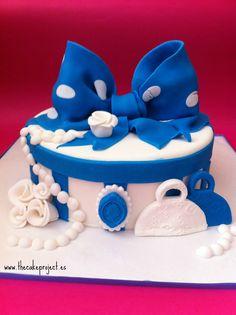 Tarta sombrerera azul elaborada por TheCakeProject en Madrid