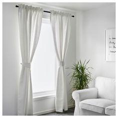 Сніжно-білий для гармонії з білосніжним за вікном.   #штори #гардини #curtains #гардины