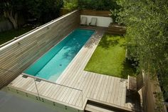 Luxurious linear swimming pool