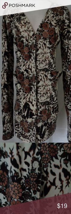 """Women's Brown Floral Cardigan  Stretch Medium L19 Women's RVCA Floral Cardigan    Multi Color Black, Brown, Purple, White   Button Down   Stretch  Size Medium  Armpit to Armpit 24"""" (flat)  Shoulder to Shoulder 18"""" (flat)  Shoulder to Hem 26""""  Sleeve 25"""" (shoulder seam to hem edge)  Excellent pre owned condition. No issues to note. See description for measurements and pictures with zoom  L19 RVCA Sweaters Cardigans"""