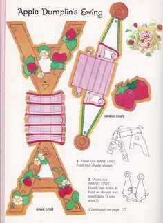 Strawberry Shortcake's Toy Book - 14