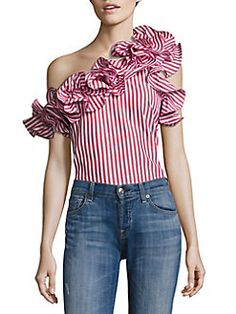 Petersyn Arabella Ruffled Striped One-Shoulder Top Ruffles 💕 Blouse Styles, Blouse Designs, Look Fashion, Fashion Outfits, One Shoulder Tops, Western Outfits, Casual Outfits, Peasant Dresses, Baby Dresses