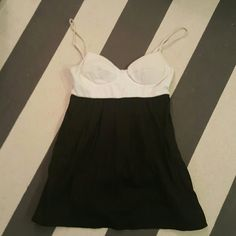 Forever 21 medium black and white push up tank Bra top long tank Size medium No rips tears or stains Forever 21 Tops Tank Tops