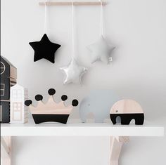 Very stylish selfie from @mitahli_designs #meenyminy #kidstyle #interiors #home