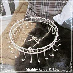 Shabby Chic & Co.: Wie aus einer Kräuterkrone eine Gardinenhalterung ...