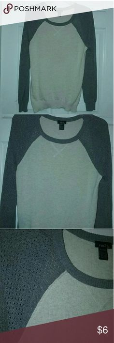 Women's Size XLarge Sweater Women's Size XLarge Sweater  55% Cotton & 45% Acrylic Rue 21 Tops Sweatshirts & Hoodies