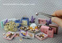 Handmade miniature gifts in one inch scale (1:12) http://minifanaberia.blogspot.com/2014/04/prezenty-handmade-skala-112.html