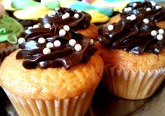 Cupcakes de vainilla con chocolate