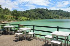 The It Girl's Travel Guide to Manado   Danau Linow, Manado, Indonesia