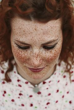 fabulous freckles & red lips