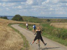 Summer day on bike, Ven