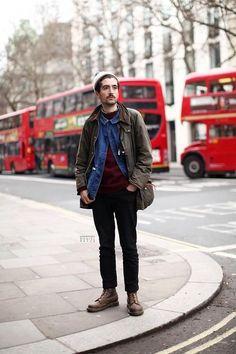 2015-11-13のファッションスナップ。着用アイテム・キーワードはニットキャップ, ニット・セーター, ブーツ, ワークジャケット, 黒パンツ, Gジャン・デニムジャケット,Barbouretc. 理想の着こなし・コーディネートがきっとここに。| No:112324