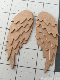One Lucky Day: Christmas Inspiration: Feathered Wings Diy Angel Wings, Diy Wings, Cardboard Costume, Cardboard Art, Christmas Angels, Christmas Crafts, Christmas Decorations, Birthday Decorations, Xmas