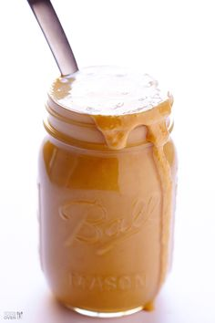 Homemade Peanut Butter - Gimme Some Oven - peanuts only, no other ingredients Homemade Peanut Butter, Peanut Butter Recipes, Gimme Some Oven, Diy Food, Food Food, Food Hacks, Food Tips, Food Processor Recipes, Cooking Recipes