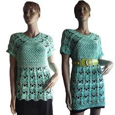Diese tolle Tunika kann man auch als Mini-Kleid häkeln ++ das geht ganz leicht, weil von oben nach unten gehäkelt wird und Nähte unnötig sind. Probiers aus.