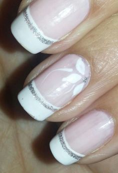 Un modelo elegante y festivo... También para novias! Fancy Nails, Cute Nails, Finger, Wedding Manicure, Colorful Nail Designs, Flower Nails, Nail Polish Colors, Girly Things, Pedicure
