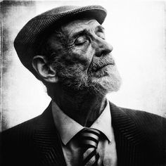 I' Black and white photography is powerful and emotional. UK-based photographer Lee Jeffries proves this poin People Photography, Artistic Photography, Vintage Photography, Portrait Photography, Life Photography, Lee Jeffries, Black And White People, Black And White Face, Black And White Portraits
